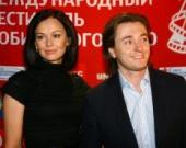 Жена Безрукова знает о романах актера