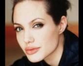 """Джоли решила """"достать"""" жену Джонни Деппа"""
