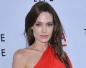 """Анджелина Джоли – """"боевая"""" мама"""
