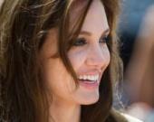 Джоли придумала название для своего первого фильма