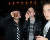 Роберт Паттинсон превращается в алкоголика