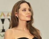 Люк Бессон зовет в свой фильм Анджелину Джоли
